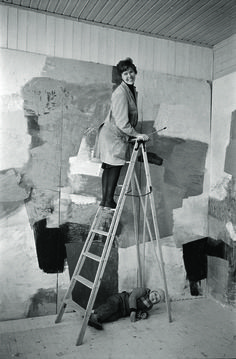 Inger Sitter jobs with daughter Gro Nesjar the ladder. Safari, Studio S, Art Studios, The Creator, Workspaces, Strong Women, Art Art, Ladder, Daughter