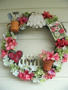 garden wreath - cute!