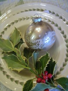 . . . Cabin & Cottage: A Holly Christmas Table