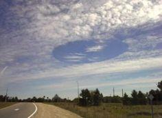Geoengineering, ein Wolken-Phänomen oder was? In London, einer Stadt im Süden Kanadas, filmte ein Autofahrer eine Landschaft. Die Aufnahmen entstanden am frühen Nachmittag des ersten Oktober. Ihm f…