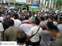 Lihat yang Terjadi !!! Sopir Taksi Unjuk Rasa Menuntut Penutupan Grab dan Uber di Bali
