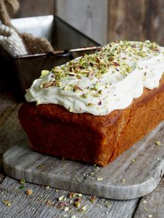Carrot Cake with Banana Food On The Table - The world's most private search engine Scandinavian Food, Banana Recipes, Cream Cheese Frosting, Carrot Cake, Let Them Eat Cake, Banana Bread, Carrots, Food And Drink, Favorite Recipes