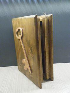 Χειροποίητη ξύλινη κλειδοθήκη από πεύκο