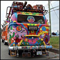 Volkswagen, ready to go ☮ Volkswagen Bus, Vw Camper, Vw T1, Volkswagon Van, Van Hippie, Hippie Love, Hippie Man, Hippie Style, Happy Hippie