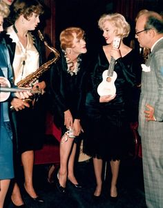 """Tony Curtis, Jack Lemmon, and Marilyn Monroe on the set of """"Some Like It Hot"""""""