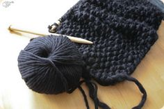 Being left-handed, I get so frustrated learning things from righties.I want to learn to knit so bad! I just need to find someone patient who can teach me. Diy And Crafts Sewing, Diy Crafts, Yarn Thread, Knitting Wool, Couture Sewing, Poncho, Diy Fashion, Knit Crochet, Sewing Patterns
