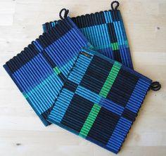Rep Weave Pot holders by Freya Willemoes-Wissing, via Flickr