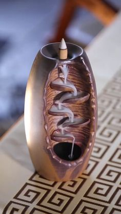 Pottery Designs Diy Videos Shoe Tieing Handicraft Cool Gadgets Wood Art Diy Art Home Deco Yoga Decor Diy Home Crafts, Diy Arts And Crafts, Yoga Dekor, Bar Deco, Diy Artwork, Incense Cones, Glazed Ceramic, Ceramic Art, Cool Things To Buy