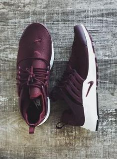 nike air presto trainers.