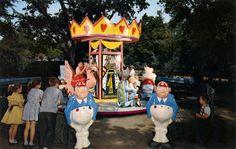 Wonder_Go_Round_Children's_Fairyland_Oakland_Calif.jpg 1,053×666 pixels