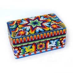 Native American Patterns, Native American Crafts, Loom Beading, Beading Patterns, Huichol Art, Beaded Boxes, Truck Art, Mexican Designs, Beaded Animals