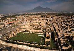 Pompeya (Italia) redescubierta  y excavada desde 1738 por Roque Joaquín de Alcubierre, ingeniero militar nacido en Zaragoza (1702-1780)