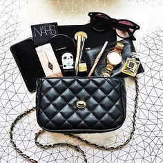 Handbag essentials #flatlay #handbag #flatlays #flatlaystyle #flatlayoftheday #makeup #beauty #gold #nars #charlottetilbury #chanel #lifestyle