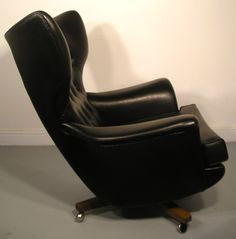 Cool Mid Century G Plan Worlds Most Comfortable Chair With Black Leather Vintage Swivel Armchair And Brown Metal Base Swivel Chair With Dining Chairs And Modern Dining Chairs, Wonderful Inspiring For World'S Most Comfortable Chair: Furniture