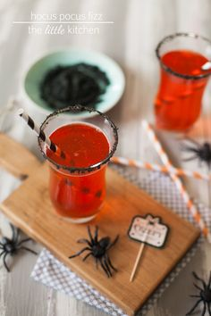 Hocus Pocus Fizz Drink from The Little Kitchen @ Dawn Parsons for parties/ Black sugar