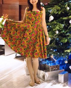 What else does a Sew Over It Rosie dress need this Christmas besides roses? A Christmas tree! Sew Over It Patterns, Strapless Dress, Roses, Christmas Tree, Summer Dresses, Sewing, How To Make, Fashion, Strapless Gown