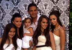 how to host a white party like Kyle Kyle Richards, Bravo Tv, Housewives Of Beverly Hills, The White Stripes, Best Sister, Real Housewives, Reality Tv, Housewife, Country Music