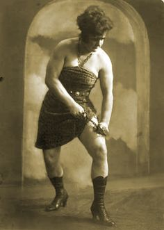 This circus strongwoman was known for her bulging 17 inch biceps and 26 ½ inch thighs. She displayed her strength in the circus freak shows she contracted with.