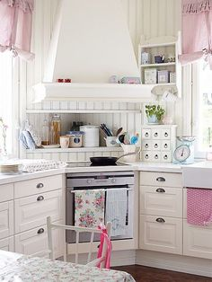 vintage cottage kitchen photos - - Yahoo Image Search Results