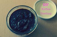 Dieses Kaffee Peeling hilft gegen Cellulite, riecht lecker und ist bitzschnell selber gemacht. Unbedingt ausprobieren!