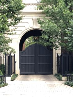 Fancy portico in Chicago row Chicago Chicago, The Row, Arch, Garage Doors, Outdoor Decor, Home Decor, Longbow, Decoration Home, Room Decor