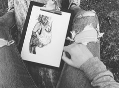 [ 🐛🐞🐌 ] • Pour me contacter lildotart@gmail.com, sur Etsy (lien direct dans ma Bio), ou encore sur Facebook • #love #draw #drawing #inkonpaper #instadraw #instaart #art #artdrawing #artstagram #dot #dotwork #linework #dotlines #blackwork #tattoo #doodle #sketch #sketchbook #illustration #blackandwhite #lifestyle #lildotart #annabellejsc