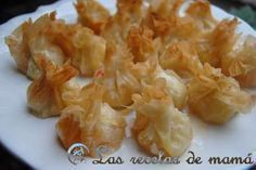Pasta filo amb gambes i porro No Cook Appetizers, Finger Food Appetizers, Appetizers For Party, Appetizer Recipes, Samosas, Empanadas, Aperitivos Finger Food, Fingers Food, Tasty Bites