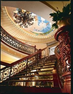 new orleans, queens, mississippi river, cruises, grand staircas