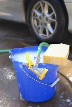 Cómo eliminar el olor a humedad de la alfombra de mi coche   eHow en Español