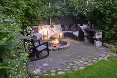 Small shaded patio with ingroud fire pit Cottage Garden Plan, Indoor Outdoor Living, Outdoor Decor, Outside Fire Pits, Fire Pit Landscaping, Fire Pit Area, Garden Planning, Lawn And Garden, Garden Projects