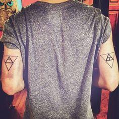 tatuajes-geometricos-minimalistas-para-hombres.jpg (360×360)