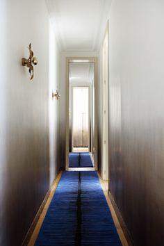 Studio Ko - 7 rue geoffroy l'angevin 75004 paris france - tel : 33 42 71 13 92 Architecture Details, Interior Architecture, Paris France, Hotel Corridor, Famous Interior Designers, Entry Hallway, Foyer, Unique Home Decor, Best Interior