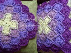 almofadas crochetadas em lã com cores em degrade