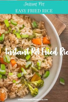 Instant Pot fried rice is a healthier alternative to take-out fried rice. This recipe retains tge crunch of the veggies as well! Jasmine Rice Recipes, Cooking Jasmine Rice, Vegetarian Recipes, Delicious Recipes, Delicious Dishes, Vegan Vegetarian, Keto Recipes, Instant Pot, Pressure Cooking Recipes