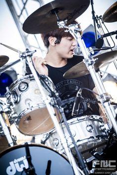 cnblue Cnblue, Minhyuk, Lee Jung Suk, Lee Jong Hyun, Kang Min Hyuk, Empress Ki, Krystal Jung, Drummer Boy, Pop Rock Bands