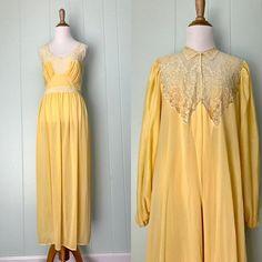 1950s Lady Leonora Yellow Nightgown and Robe Set  eba788a4e