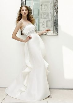 Organza Strapless A-Line 2012 Wedding Dress