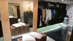 Design V. - Le walk-in de Sylvie Moreau Vip, Master Bedroom, Makeup, Interior, House, Home Decor, Home Remodeling, Spaces, Master Suite