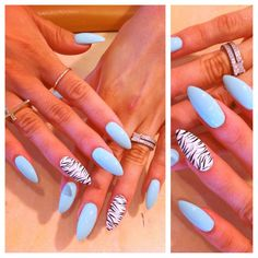 Zebra Stiletto Nails!
