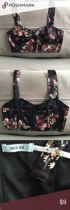 UO Kimchi Blue Floral Bustier Bra Top Sz Medium Like new. Adjustable straps and hooks in the back to change level of support. Straps can also cross cross in the back. No trades, but open to reasonable offers. Urban Outfitters Intimates & Sleepwear Bras
