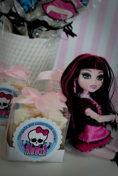 Memoria em folha de Scrap: FESTA MONSTER HIGH
