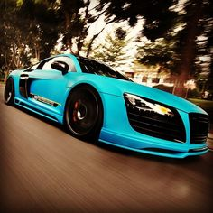 Cool shot of a light blue R8!!
