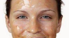 Le donne giapponesi per mantenere la pelle del loro viso giovane, liscia e luminosa, usano questa maschera ottenuta attraverso con questi 3 semplici ingredienti.