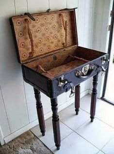 Uses for Vintage Suitcases Good Idea! Grab a funky old suitcase @ yardsale.rip off the legs of that old chair. Grab a funky old suitcase @ yardsale.rip off the legs of that old chair.