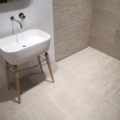 Tilestone Rivièra - prachtig in je badkamer met een inloopdouche in bijpassend mozaïek