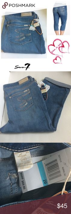 """Seven 7 Cropped Jeans Size 20 Zip fly with button closure, 5 pockets, fading and whiskering, rolled cuffs, waist measures 40"""" total, 9"""" rise and 21"""" inseam, 71% cotton 16% polyester 12% rayon and 1% spandex.  Does stretch. NWT Seven7 Jeans Ankle & Cropped"""