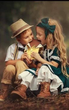 Children celebrating March 17 together :) Precious Children, Beautiful Children, Beautiful Babies, Cute Kids Pics, Cute Baby Girl Pictures, Cute Baby Couple, Cute Babies, Baby Kind, Baby Love