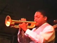 ▶ Wynton Marsalis joins Joshua Redman on stage - YouTube