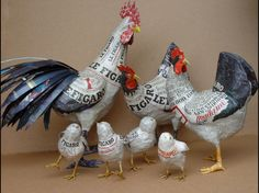 Chickens in, and from, the news: Basse-cour en papier maché de Nicole Jacobs Aude GoalecNicole Jacobs Aude Goalec: A zoo of paper mache invades the world Ecolochic.Trio (one cock, two hens) chicks in papier mache. (in French) Wrote 4 - 20 - 13 for t Paper Mache Projects, Paper Mache Clay, Paper Mache Sculpture, Paper Mache Crafts, Craft Projects, Origami, Paper Mache Animals, Chicken Art, Chickens And Roosters