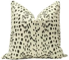 Les Touches // Black Advanced Aesthetics, White Cotton, Pillow Covers, Throw Pillows, Black, Pillow Case Dresses, Toss Pillows, Pillow Shams, Cushions